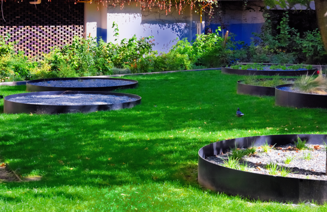 D limitation espaces verts voliges acier design espaces for Espace vert urbain