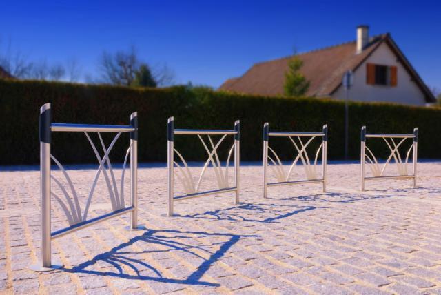 Barri re m tallique inox camino manchon en aluminium thermolaqu option personnalisation pour - Barriere designpool ...